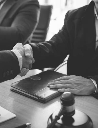 Αποδοχή αίτησης περί παροχής προθεσμίας καταβολής χρηματικής ποινής κατ' άρθρο 82 παρ 8 ΠΚ, που αφορά συγχωνευθείσα ποινή άνω των πέντε ετών